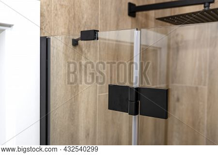 Black Matt Hinge Connecting The Wings Of The Shower Enclosure Flush With The Glass, View From Outsid