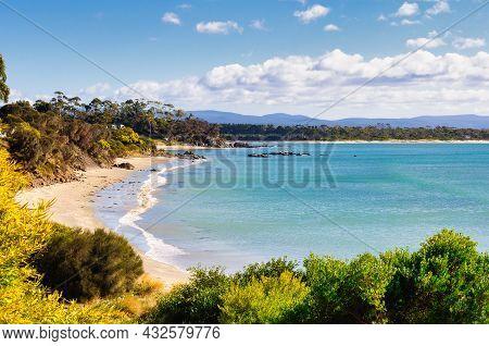 Gentle Waves Wash Jubilee Beach - Swansea, Tasmania, Australia