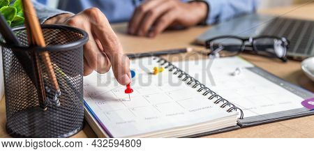 Businessman Agenda Calendar And Reminder Agenda Work Online At Home Men Plan Daily Appointments And