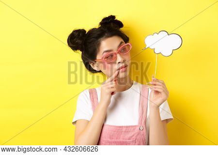 Summer And Fashion Concept. Stylish Glamour Asian Girl In Sunglasses, Holding Comment Cloud Party Ma