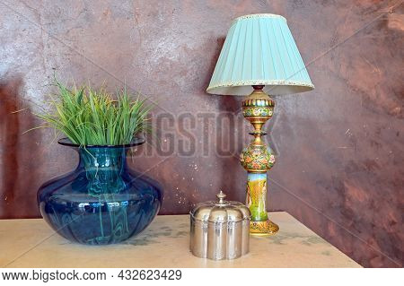 Elegant Creations, Decor, Table Lamps And Stylish Presonal Accessories In Modern Home Decor.