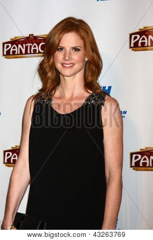LOS ANGELES - MAR 12:  Sarah Rafferty arrives at the
