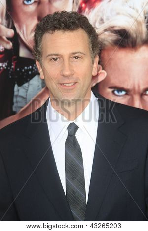 LOS ANGELES - MAR 11:  John Francis Daley arrives at the World Premiere of