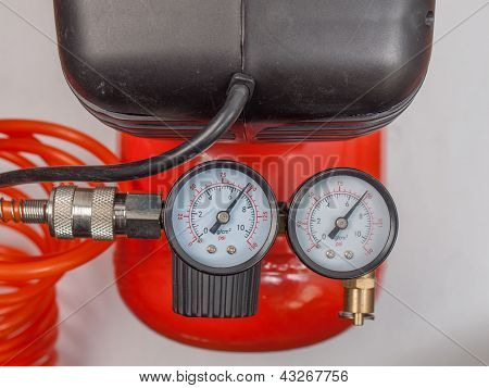 Air compressor manometer
