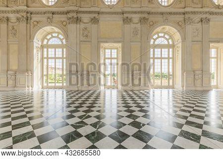 Venaria Reale, Italy - Circa May 2021: Corridor With Floor Made Of Luxury Marbles. Plenty Of Eleganc