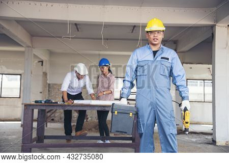 Construction Engineer Teamwork Safety Suit Trust Team Holding White Yellow Safety Hard Hat Security