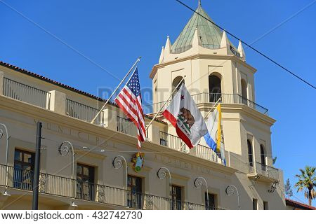 San Jose Civic Building Is A Historic Municipal Auditorium And Now Is A Theater Located At 135 W San