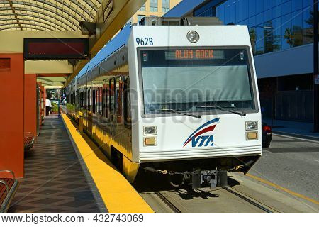 San Jose, Ca, Usa - Mar. 12, 2014: Santa Clara Valley Transportation Authority Vta Light Rail At Con