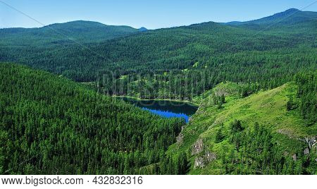 Summer Sunny Day In The Mountains In Ulagansky Pass, Saryachik Lake, Altai, Clear Blue Sky, Cloudles