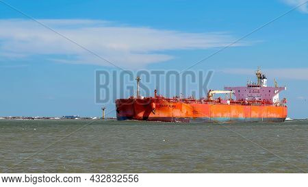 Port Aransas, Tx - 21 Feb 2020: The Eagle Kland, A Crude Oil Tanker Ship Sails In From The Gulf Of M
