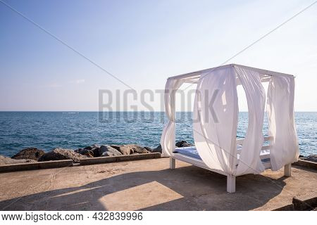 Pavilion On Beach With Sea Background In Cloudy Day - Travel And Vacation Concept.luxury Beach Tents