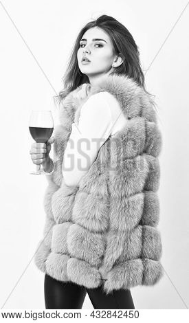 Reasons Drink Red Wine In Wintertime. Alcohol And Cold Weather. Woman Enjoy Wine. Girl Fashion Makeu