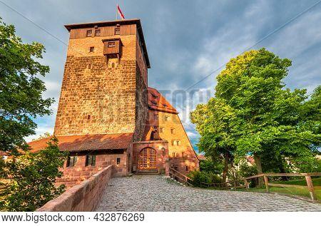 Nuremberg, Germany. View Of Kaiserburg And Turm Luginsland In Nurmberg Old Town - Franconia, Bavaria