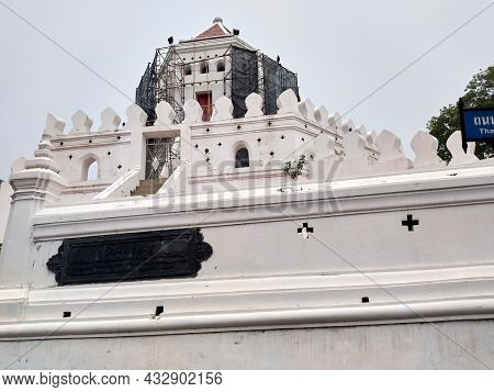 Bangkok Thailand-17 March  2021:phra Sumen Fort It Is A Fortress Built In The Reign Of King Rama I.