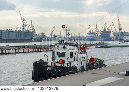 Saint Petersburg, Russia - September 2021: Ships And Boats In Great Port Of Saint Petersburg
