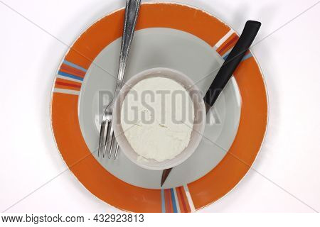 Small Buffalo Ricotta Cheese With Tray Small Buffalo Ricotta Cheese With Tray