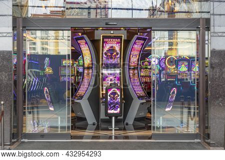 Las Vegas, Usa - March 10, 2019: Electronic Slot Machines In Casinos In Early Morning In Las Vegas,