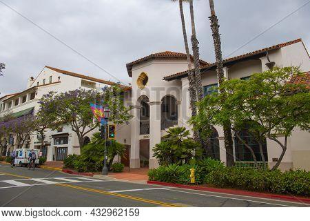 Santa Barbara, Ca, Usa - Jun. 20, 2019: Montecito Executive Suites In A Historic Spanish Colonial St
