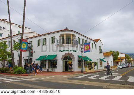Santa Barbara, Ca, Usa - Jun. 20, 2019: Starbucks Coffee In An Antique Spanish Colonial Style Buildi