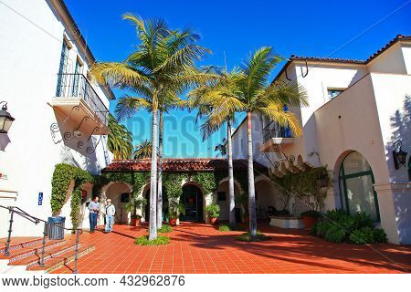 Santa Barbara, Ca, Usa - Jan. 4, 2009: County Courthouse Is A Spanish Colonial Revival Building, Com