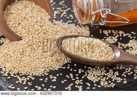 Edible Seeds Of Organic Sesame - Sesamum Indicum