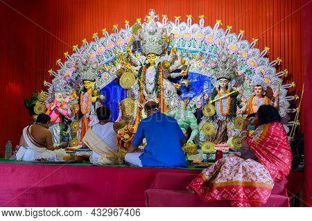 Howrah, West Bengal, India - 24th October 2020 : Pran Protistha Of Goddess Durga By Hindu Priests Wh