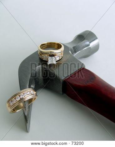 2 Diamond Rings On Hammer