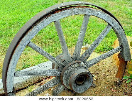 die alten Wagon wheel