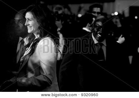 Julia Roberts At Eat Prey Love Premiere In Central London 22Nd September 2010