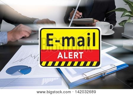 E-mails Hacked Warning Digital Browsing And Virus