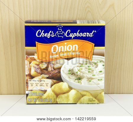 Spencer Wisconsin - August 11 2016 Box of Chef's Cupboard Onion Soup Mix Chef's Cupboard is an Aldi's brand product