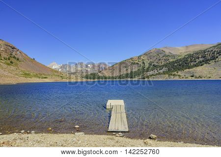The Beautiful Saddlebag Lake