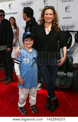 NEW YORK-APR 11: Actress/comedian Ana Gasteyer (R) and son Ulysses attend the world premiere of