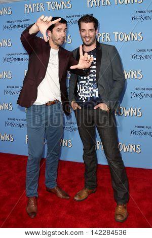NEW YORK-JUL 21: Drew Scott (L) and Jonathan Scott attend the