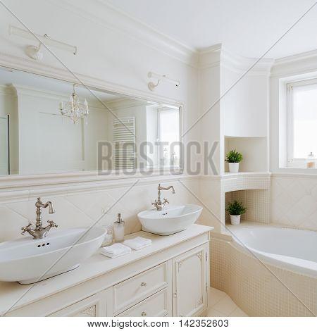 Showy Bathroom In Cream Colors