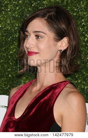 LOS ANGELES - AUG 10:  Lizzy Caplan at the CBS, CW, Showtime Summer 2016 TCA Party at the Pacific Design Center on August 10, 2016 in West Hollywood, CA