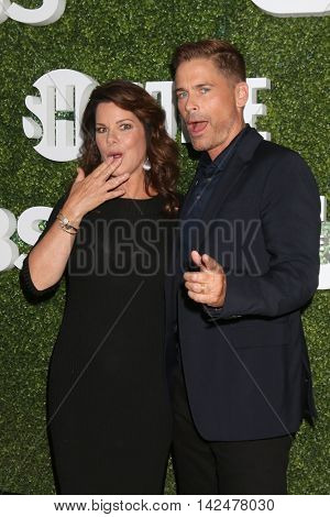 LOS ANGELES - AUG 10:  Marcia Gay Harden, Rob Lowe at the CBS, CW, Showtime Summer 2016 TCA Party at the Pacific Design Center on August 10, 2016 in West Hollywood, CA