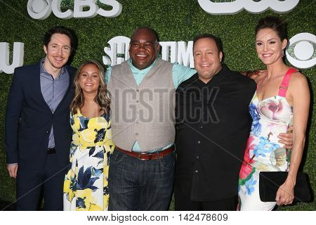 LOS ANGELES - AUG 10:  Kevin Can Wait cast at the CBS, CW, Showtime Summer 2016 TCA Party at the Pacific Design Center on August 10, 2016 in West Hollywood, CA