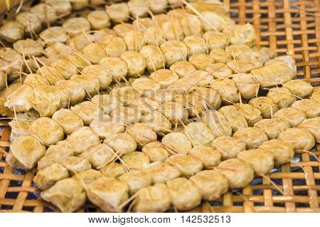 Crab meat roll (Hoi Jor) in threshing basket