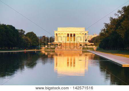 Abraham Lincoln memorial in Washington DC in the morning