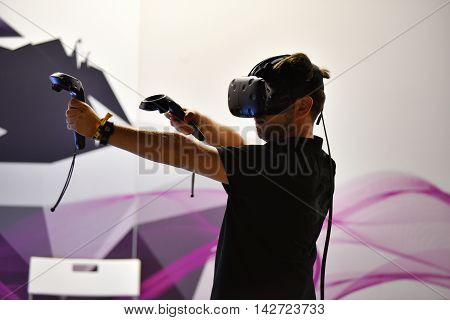 Virtual Reality Htc Vive Headset And Hand Controls