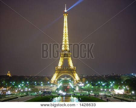 Eiffel Tower 507