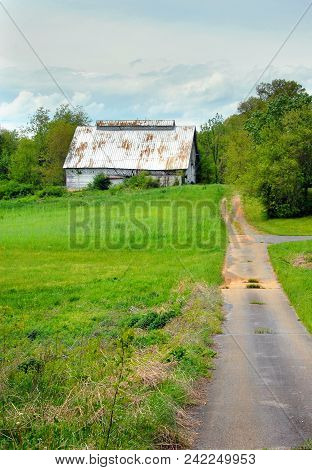 Country Barn All White