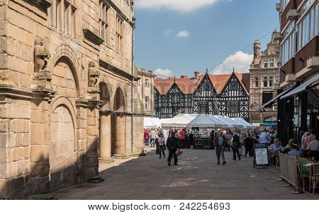 Shrewsbury, Shropshire, Uk - May 19, 2018: Market In The Square In Shrewsbury  Shropshire