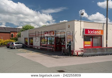 Oswestry, Shropshire, Uk - May 15, 2018: Exterior Of Iceland Frozen Food Supermarket In Oswestry, Sh