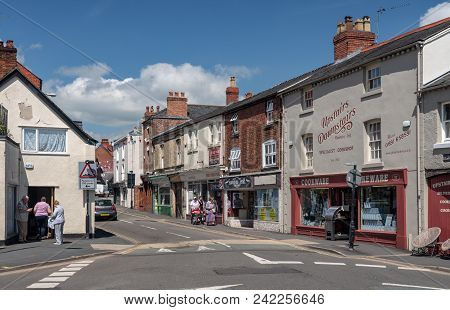 Oswestry, Shropshire, Uk - May 15, 2018: Shoppers On Leg Street In Oswestry Shropshire