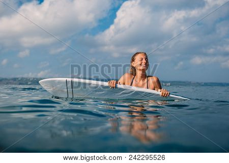 Happy Surf Woman With Surfboard. Professional Surfer With Surfboard In Ocean