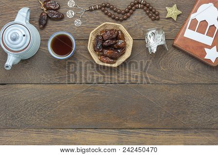 Table Top View Aerial Image Of Decoration Ramadan Kareem Holiday Background.flat Lay Date In Wood Ba