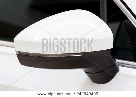 Car Rear-view Mirror On The Front Door Of White Color With The Built-in Blinker.