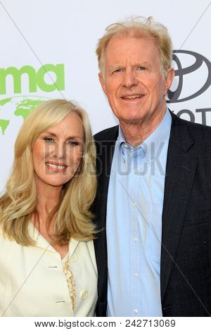 LOS ANGELES - MAY 22:  Rachelle Carson, Ed Begley Jr at the 28th Annual Environmental Media Awards at the Montage Beverly Hills on May 22, 2018 in Beverly Hills, CA